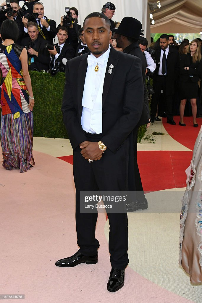 Rapper Nas attends the 'Manus x Machina: Fashion In An Age Of Technology' Costume Institute Gala at Metropolitan Museum of Art on May 2, 2016 in New York City.