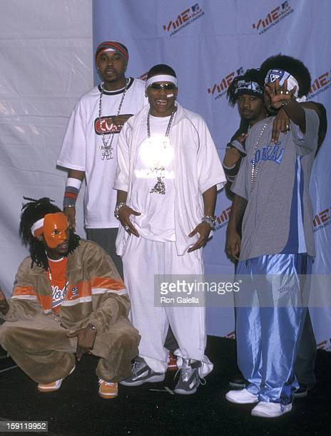 Rapper Nelly and his posse the St Lunatics attend the 18th Annual MTV Video Music Awards on September 6 2001 at the Metropolitan Opera House Lincoln...