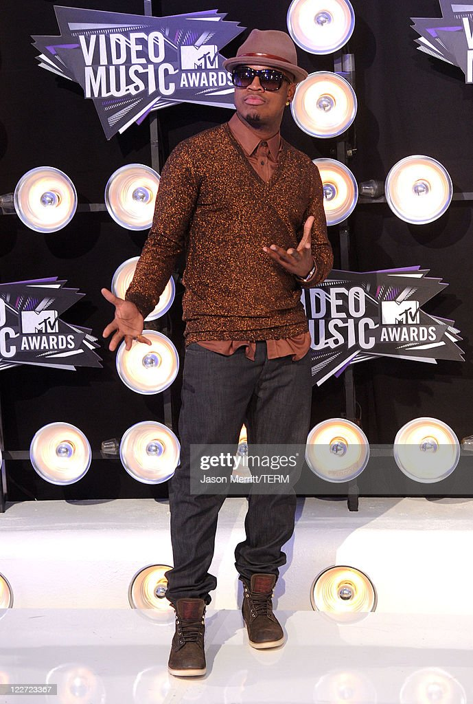Rapper <a gi-track='captionPersonalityLinkClicked' href=/galleries/search?phrase=Ne-Yo&family=editorial&specificpeople=451543 ng-click='$event.stopPropagation()'>Ne-Yo</a> arrives at the 2011 MTV Video Music Awards at Nokia Theatre L.A. LIVE on August 28, 2011 in Los Angeles, California.