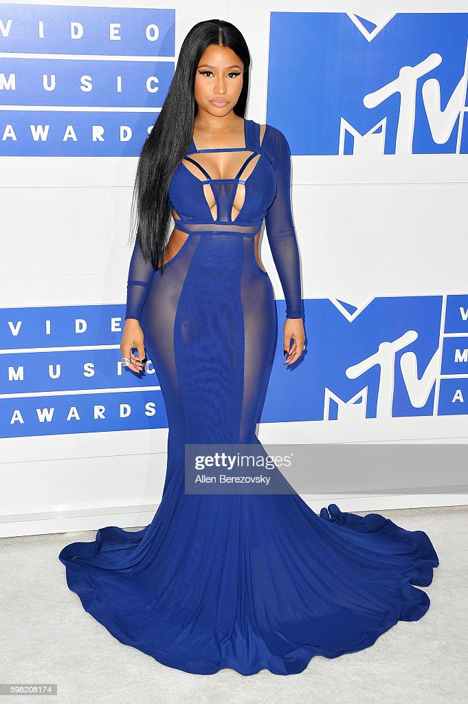 Rapper Nicki Minaj arrives at the 2016 MTV Video Music Awards at Madison Square Garden on August 28, 2016 in New York City.