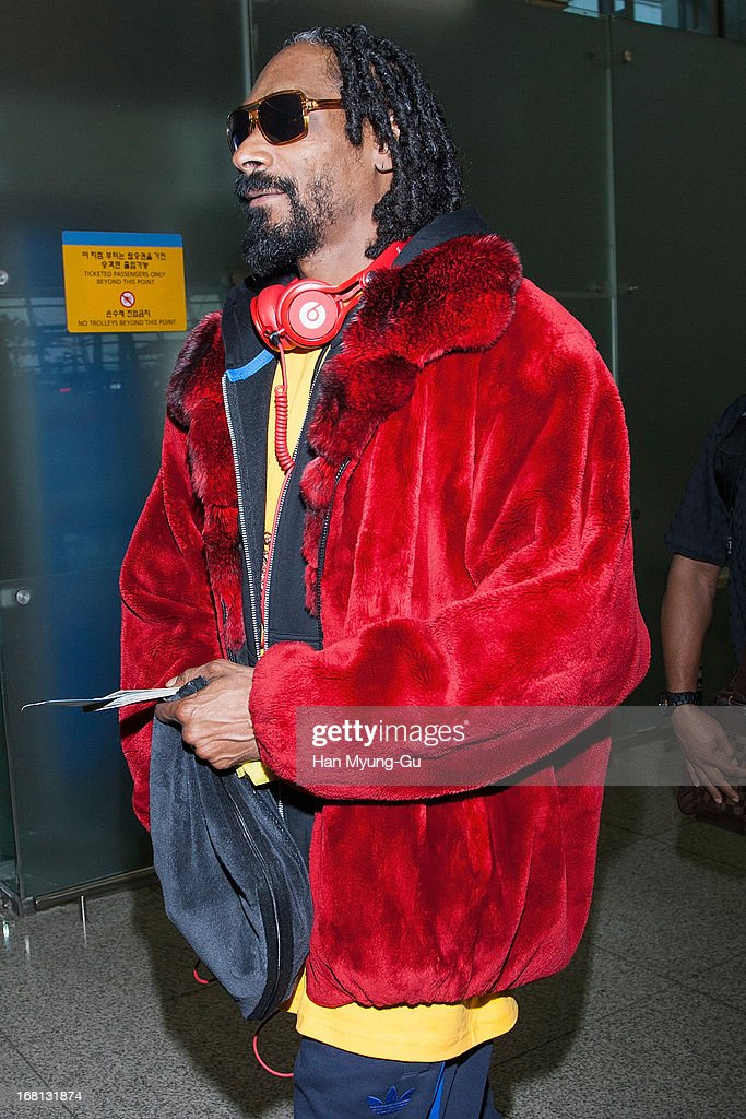 Rapper Snoop Dogg aka Snoop Lion is seen on departure at Incheon International Airport on May 5, 2013 in Incheon, South Korea.