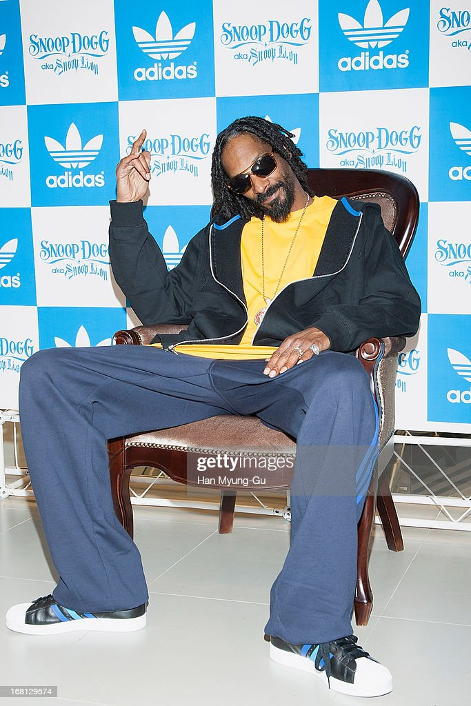Rapper <a gi-track='captionPersonalityLinkClicked' href=/galleries/search?phrase=Snoop+Dogg&family=editorial&specificpeople=175943 ng-click='$event.stopPropagation()'>Snoop Dogg</a> aka Snoop Lion visits a promotional event for 'Adidas' Flagship Store on May 5, 2013 in Seoul, South Korea.