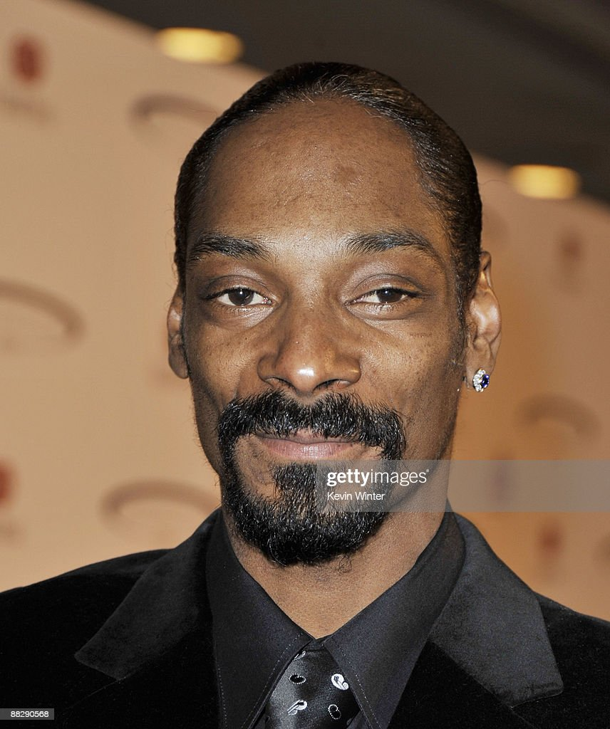 Rapper Snoop Dogg arrives at the Cedars-Sinai Medical Center's 24th Annual Sports Spectacular at the Century Plaza Hotel on June 7, 2009 in Los Angeles, California.