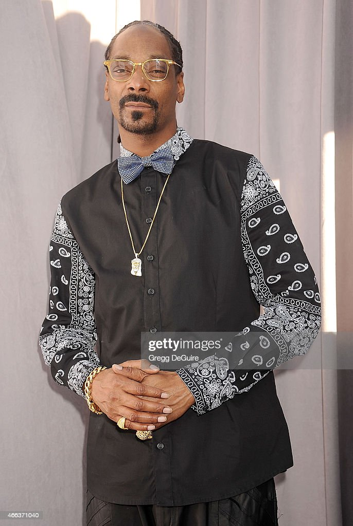 Rapper Snoop Dogg arrives at the Comedy Central Roast of Justin Bieber on March 14, 2015 in Los Angeles, California.
