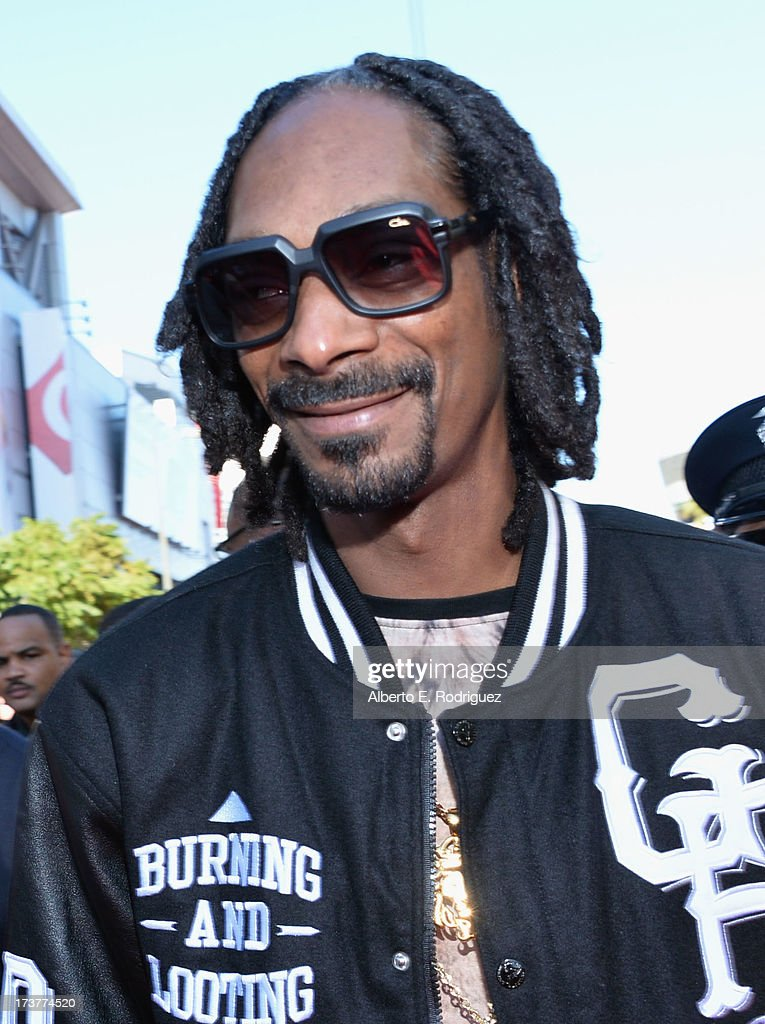 Rapper <a gi-track='captionPersonalityLinkClicked' href=/galleries/search?phrase=Snoop+Dogg&family=editorial&specificpeople=175943 ng-click='$event.stopPropagation()'>Snoop Dogg</a> attends The 2013 ESPY Awards at Nokia Theatre L.A. Live on July 17, 2013 in Los Angeles, California.
