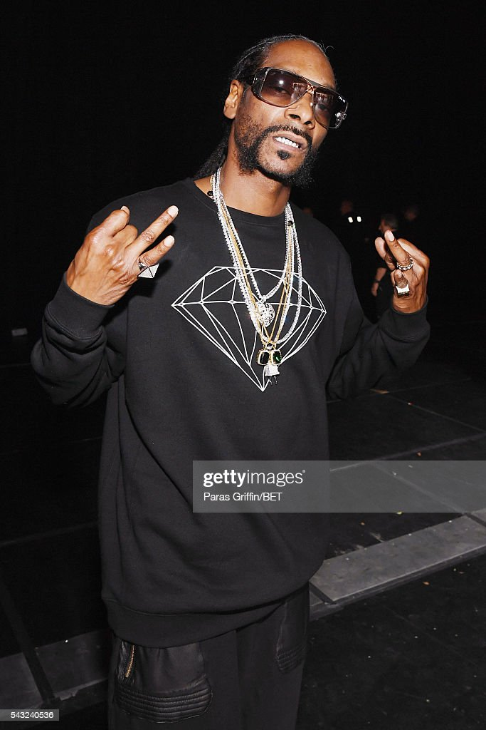 Rapper <a gi-track='captionPersonalityLinkClicked' href=/galleries/search?phrase=Snoop+Dogg&family=editorial&specificpeople=175943 ng-click='$event.stopPropagation()'>Snoop Dogg</a> attends the 2016 BET Awards at the Microsoft Theater on June 26, 2016 in Los Angeles, California.