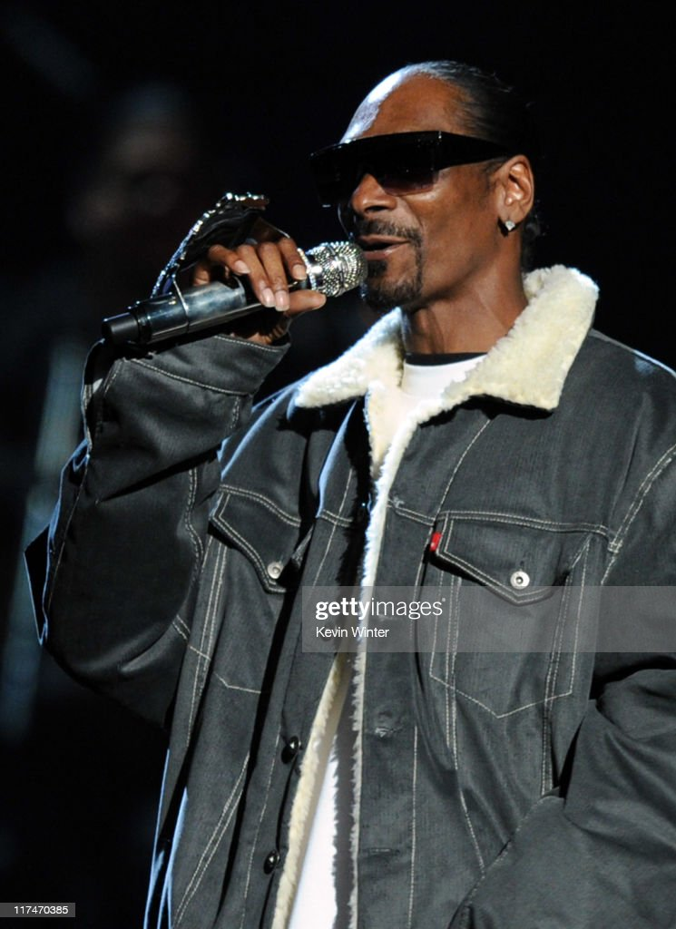Rapper <a gi-track='captionPersonalityLinkClicked' href=/galleries/search?phrase=Snoop+Dogg&family=editorial&specificpeople=175943 ng-click='$event.stopPropagation()'>Snoop Dogg</a> performs onstage during the BET Awards '11 held at the Shrine Auditorium on June 26, 2011 in Los Angeles, California.
