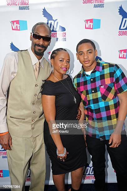 Rapper Snoop Dogg Shante Broadus and Corde Calvin Broadus arrive at the 2010 VH1 Do Something Awards held at the Hollywood Palladium on July 19 2010...