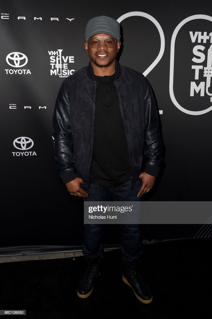 Rapper Sway Calloway attends VH1 Save The Music 20th Anniversary Gala at SIR Stage37 on October 16, 2017 in New York City.