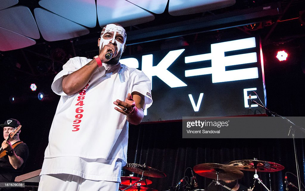 SKEE Live With Tech N9ne And Sage The Gemini