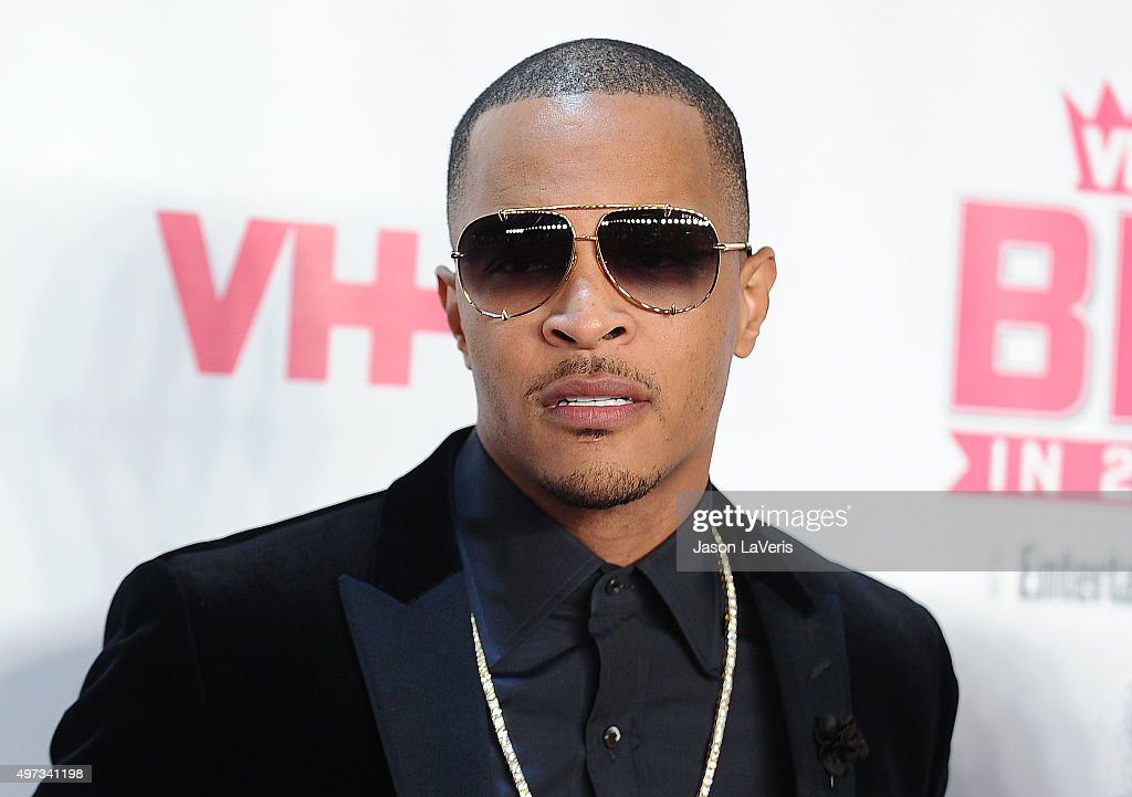 Rapper <a gi-track='captionPersonalityLinkClicked' href=/galleries/search?phrase=T.I.&family=editorial&specificpeople=221599 ng-click='$event.stopPropagation()'>T.I.</a> attends the VH1 Big In 2015 with Entertainment Weekly Awards at Pacific Design Center on November 15, 2015 in West Hollywood, California.