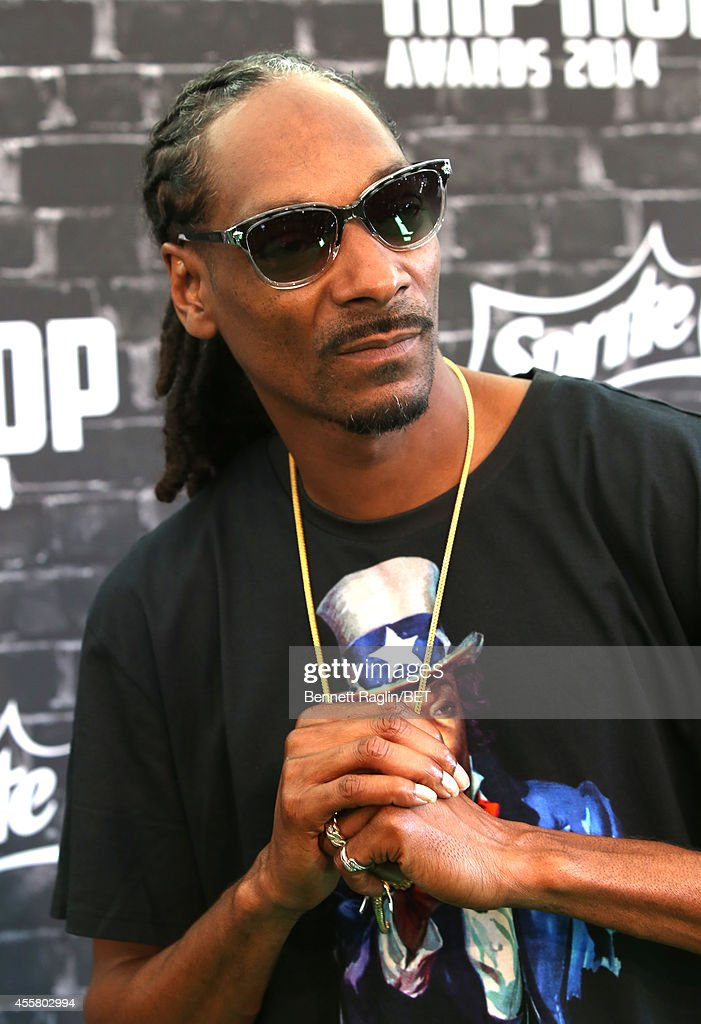 Rapper Uncle Snoop attends the BET Hip Hop Awards 2014 presented by Sprite at Boisfeuillet Jones Atlanta Civic Center on September 20 2014 in Atlanta...