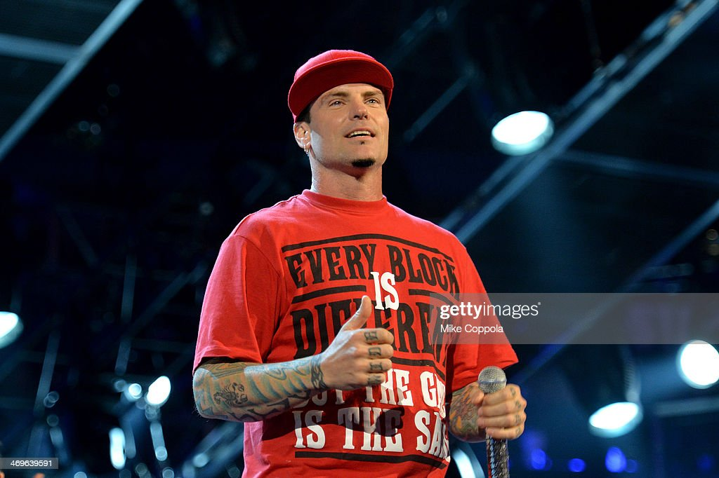 Rapper <a gi-track='captionPersonalityLinkClicked' href=/galleries/search?phrase=Vanilla+Ice&family=editorial&specificpeople=228351 ng-click='$event.stopPropagation()'>Vanilla Ice</a> performs onstage at the State Farm All-Star Saturday Night during the NBA All-Star Weekend 2014 at The Smoothie King Center on February 15, 2014 in New Orleans, Louisiana.