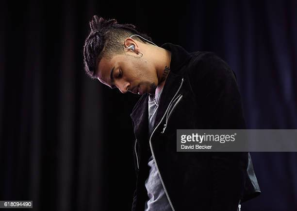 Rapper Vic Mensa performs during Global Citizen's 'Show Up and Vote' concert at the World Market Center on October 25 2016 in Las Vegas Nevada