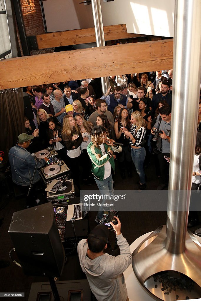 Rapper <a gi-track='captionPersonalityLinkClicked' href=/galleries/search?phrase=Wiz+Khalifa&family=editorial&specificpeople=7183449 ng-click='$event.stopPropagation()'>Wiz Khalifa</a> performs durnig the Fanatics Super Bowl Party on February 6, 2016 in San Francisco, California.