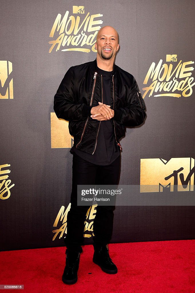 rapperactor-common-attends-the-2016-mtv-movie-awards-at-warner-bros-picture-id520066816