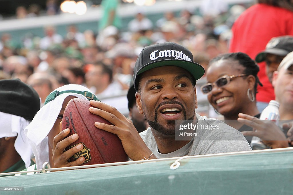 Rapper/actor Method Man attends the New York Jets vs Oakland Raiders game at MetLife Stadium on September 7 2014 in East Rutherford New Jersey