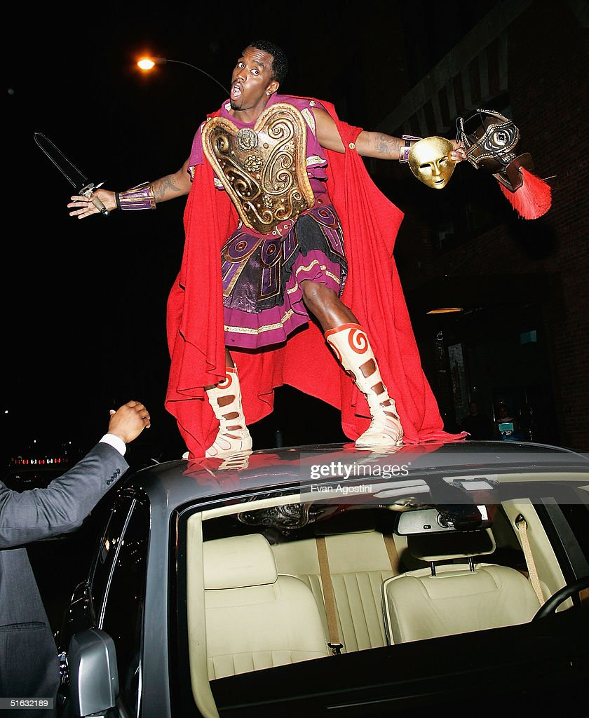 Rapper/producer Sean 'P. Diddy' Combs arrives at Mariah Carey's Halloween party at Cain October 31, 2004 in New York City.