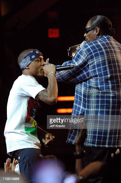 Rappers Bow Wow and Snoop Dogg during the 2007 Vh1 Hip Hop Honors at Hammerstein Ballroom on October 4 2007 in New York City