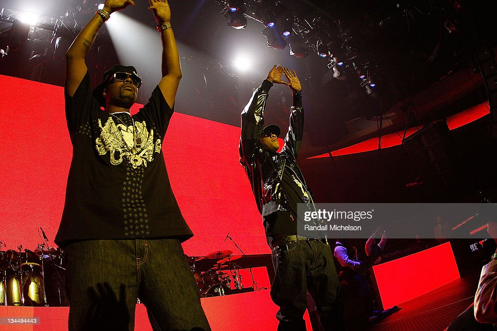 Rappers Memphis Bleek and Jay-Z perform at the Grand Reopening of The Hollywood Palladium with a Special Performance by Jay-Z on October 15, 2008 in Hollywood, California.