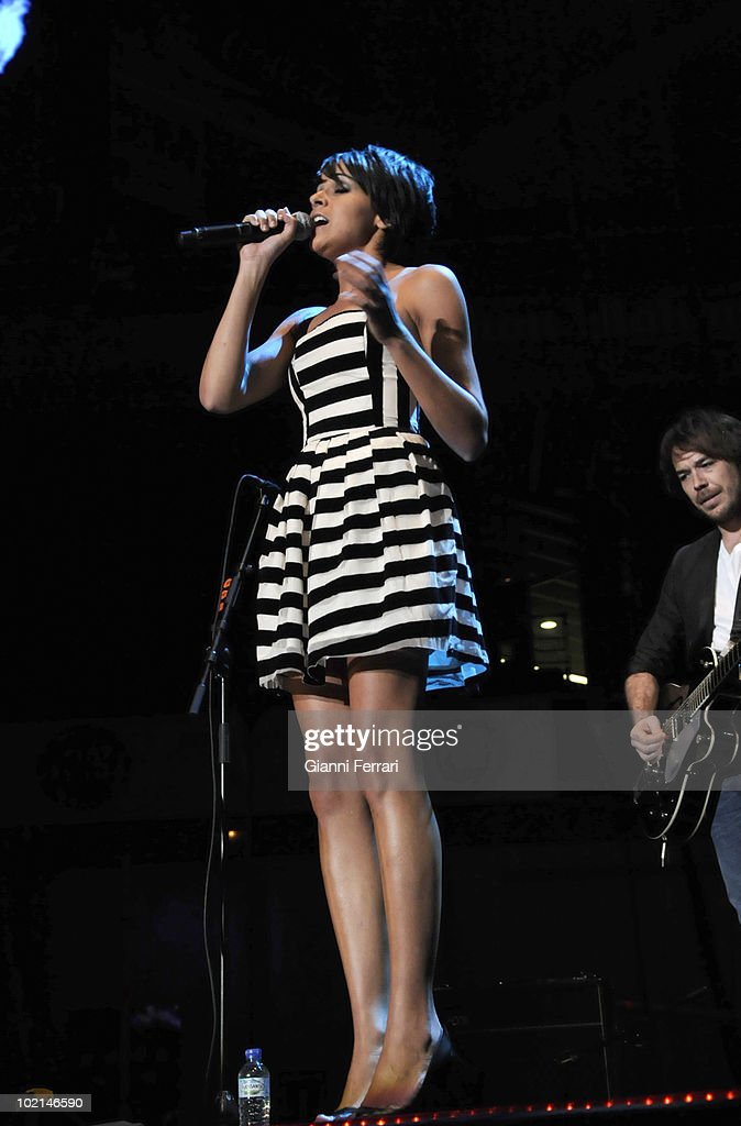 Raquel del Rosario, singer of the musical group 'El sueno de Morfeo ' and girlfriend of the pilot of 'Ferrari' Fernando Alonso, in a concert in benefit of the victims of the earthquake of Haiti, organized by the radio station 100, 24th April 2010, Palace of Sports, Madrid, Spain.