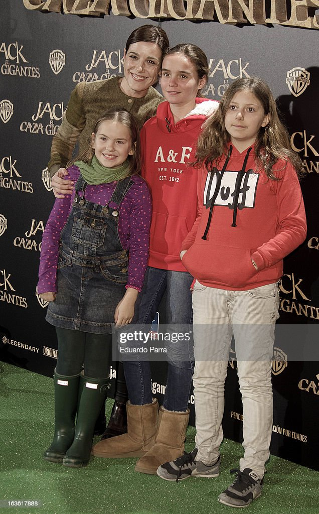 Raquel Sanchez Silva (2L) attends 'Jack el Caza Gigantes' premiere photocall at Kinepolis cinema on March 13, 2013 in Madrid, Spain.