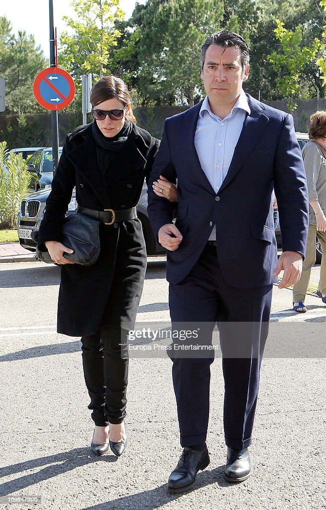 Raquel Sanchez Silva (L) visits her late husband's chapel of rest at Tanatorio Parcesa on May 31, 2013 in Madrid, Spain. Spanish television presenter Raquel Sanchez Silva found her 36 year-old-husband, Italian cameraman Mario Biondo, dead at their home after returning from work on May 30.