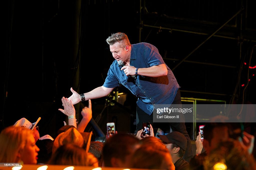 Rascal Flatts lead singer Gary LeVox performs at Verizon Wireless Amphitheatre on September 14, 2013 in Laguna Hills, California.
