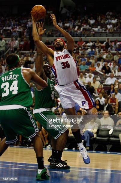 Rasheed Wallace of the Detroit Pistons goes to the hoop against the Boston Celtics during Game Six of the Eastern Conference finals during the 2008...