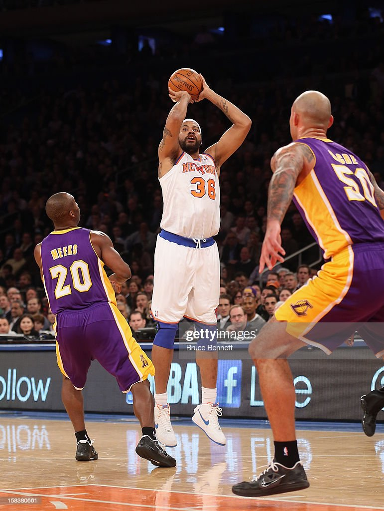 Rasheed Wallace #36 of the New York Knicks dribbles the ball against the Los Angeles Lakers at Madison Square Garden on December 13, 2012 in New York City.