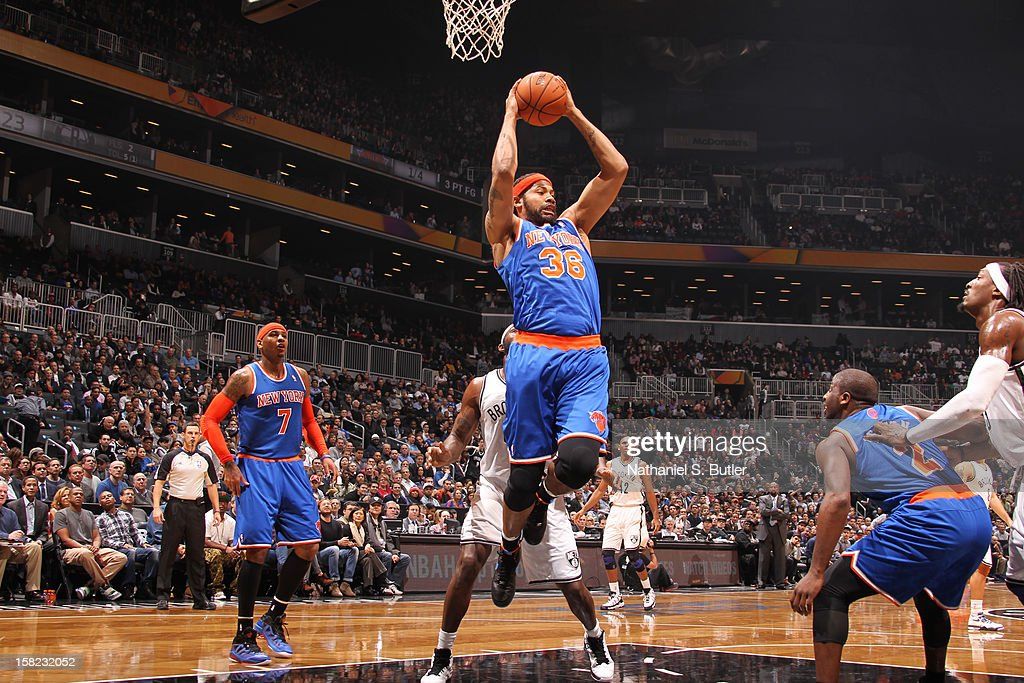 Rasheed Wallace #36 of the New York Knicks shoots against the Brooklyn Nets on December 11, 2012 at the Barclays Center in the Brooklyn borough of New York City.