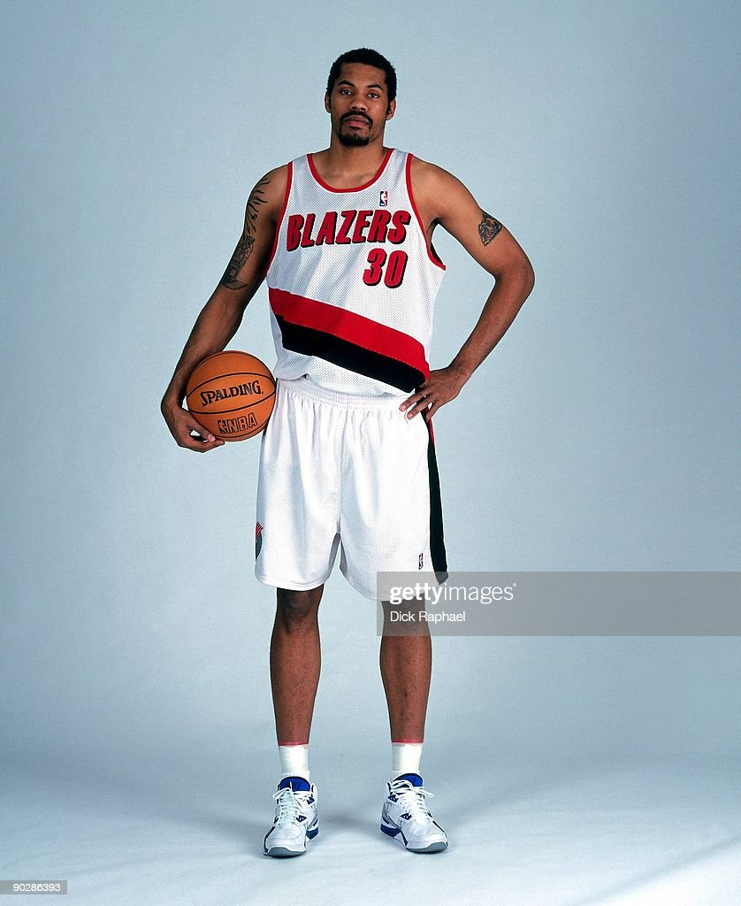 rasheed-wallace-of-the-portland-trail-blazers-poses-for-a-portrait-picture-id90286393