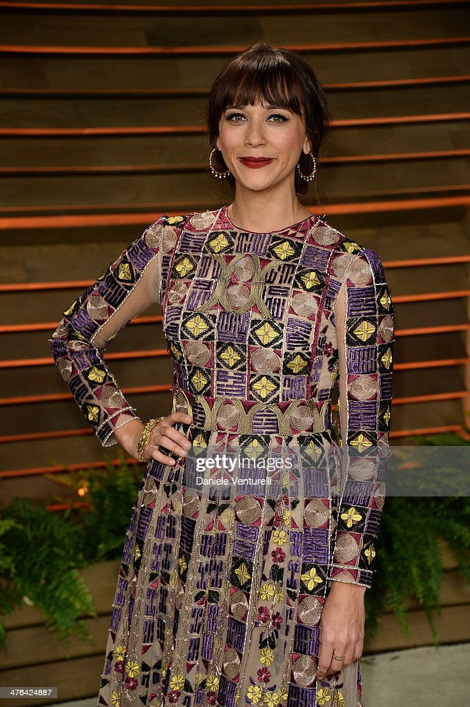 Rashida Jones arrives at the 2014 Vanity Fair Oscar Party Hosted By Graydon Carter on March 2, 2014 in West Hollywood, California.
