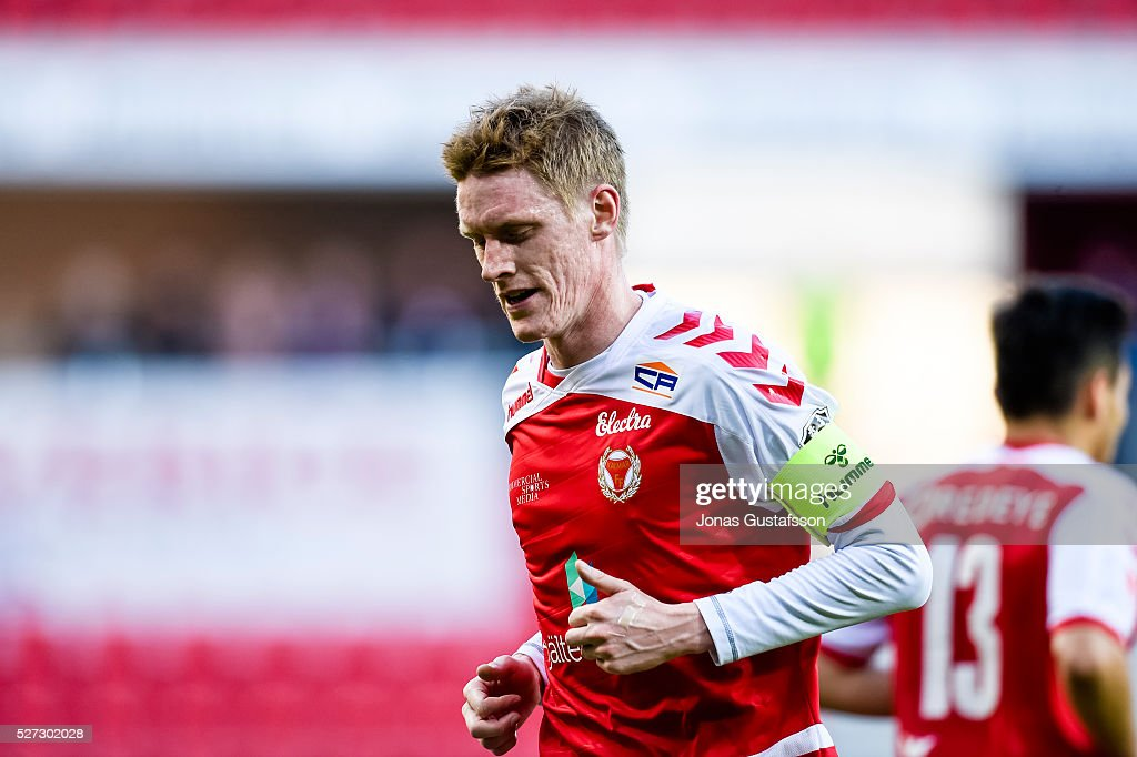 <a gi-track='captionPersonalityLinkClicked' href=/galleries/search?phrase=Rasmus+Elm&family=editorial&specificpeople=5491739 ng-click='$event.stopPropagation()'>Rasmus Elm</a> of Kalmar FF during the Allsvenskan match between Kalmar FF and Orebro SK at Guldfageln Arena on May 2, 2016 in Kalmar, Sweden.
