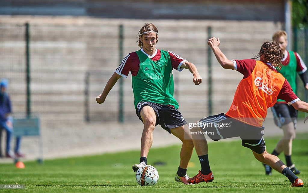 <a gi-track='captionPersonalityLinkClicked' href=/galleries/search?phrase=Rasmus+Falk&family=editorial&specificpeople=8043045 ng-click='$event.stopPropagation()'>Rasmus Falk</a> of FC Copenhagen controls the ball during the FC Copenhagen training session at KB's baner on June 27, 2016 in Frederiksberg, Denmark.