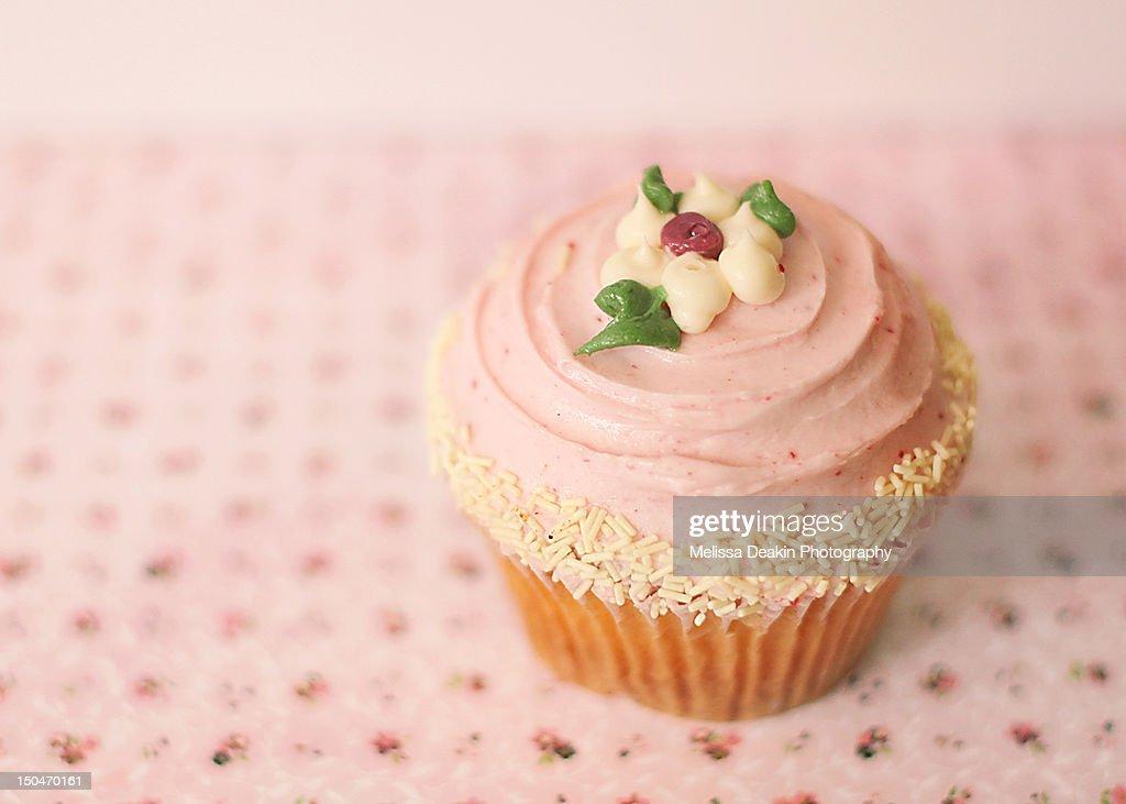 Raspberry cupcake : Stock Photo