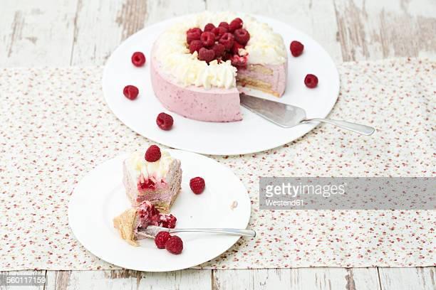 Raspberry-cream cake