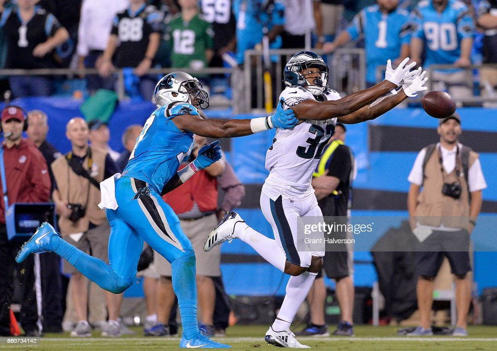 Rasul Douglas #32 of the Philadelphia Eagles just misses an onterception on a pass intended for Devin Funchess #17 of the Carolina Panthers during their game at Bank of America Stadium on October 12, 2017 in Charlotte, North Carolina.