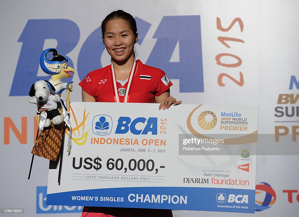 <a gi-track='captionPersonalityLinkClicked' href=/galleries/search?phrase=Ratchanok+Intanon&family=editorial&specificpeople=6597063 ng-click='$event.stopPropagation()'>Ratchanok Intanon</a> of Thailand poses on the podium after winning Women's Final against Yui Hashimoto of Japan during the 2015 BCA Indonesia Open at Istora Senayan on June 7, 2015 in Jakarta, Indonesia.
