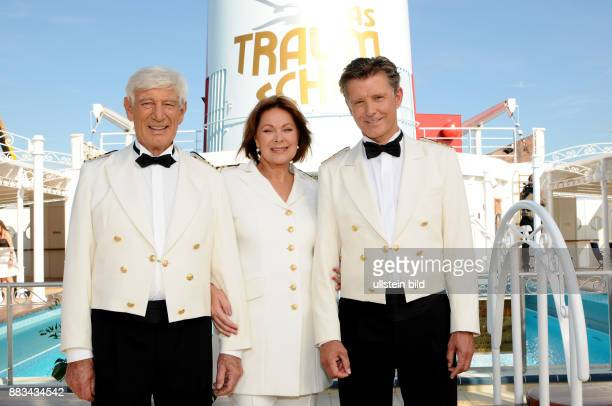 Rauch Siegfried Actor Germany with Actress Heide Keller and Actor Nick Wilder during TVseries 'Das Traumschiff'