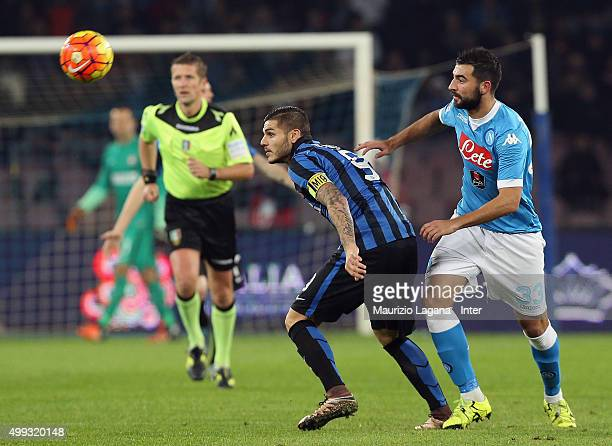 Raul Albiol of Napoli competes for the ball with Mauro Icardi of Inter during the Serie A match between SSC Napoli and FC Internazionale Milano at...
