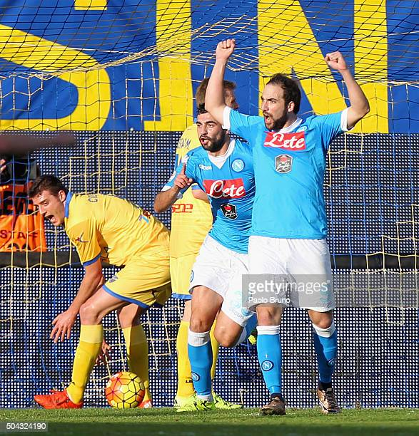 Raul Albiol with his teammate Gonzalo Higuain of SSC Napoli celebrates after scoring the opening goal during the Serie A match between Frosinone...