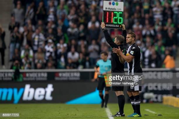 Raul Bobadilla exchanges for Raffael of Borussia Moenchengladbach the Bundesliga match between Borussia Moenchengladbach and 1 FC Koeln at...