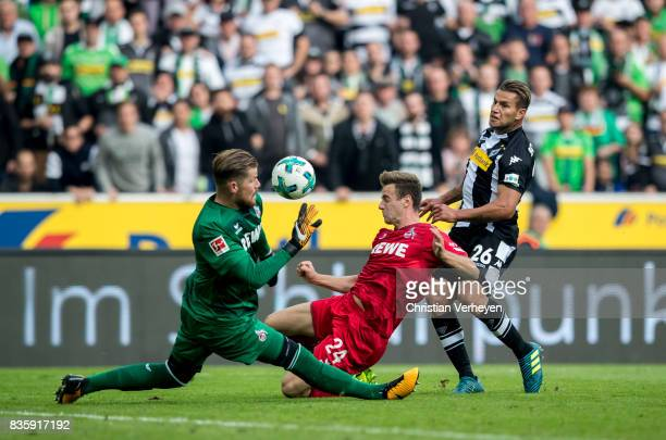 Raul Bobadilla of Borussia Moenchengladbach tries to score during of the Bundesliga match between Borussia Moenchengladbach and 1 FC Koeln at...