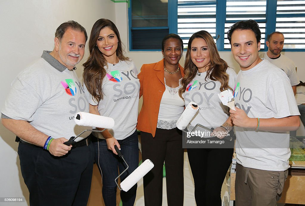 Raul de Molina, Chiquinquira Delgado, Ruben Dario school principal, Lindsay Casinelli and Alejandro Berry are seen during Univision's Media Centers/Week of Service at Ruben Dario Middle School on April 29, 2016 in Miami, Florida.