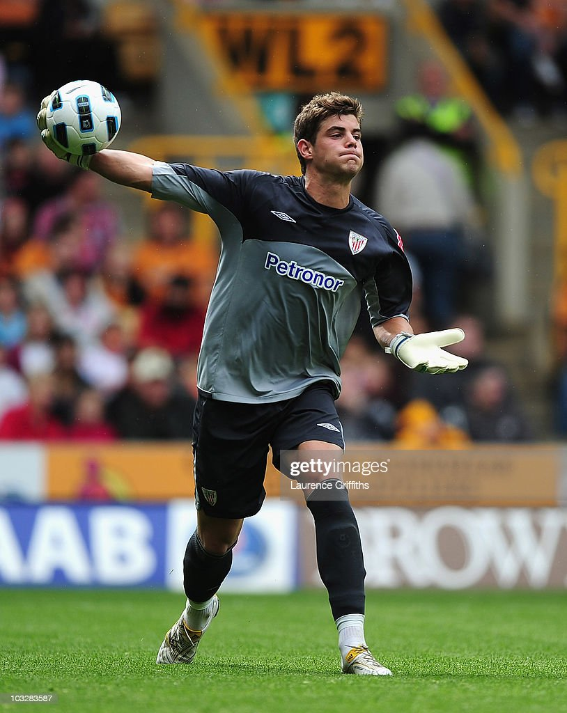Raul Fernandez of Atletic Bilbao in action during the Pre Season Friendly match between Wolverhampton Wanderers and Atletico Blbao at Molineux on August 7, 2010 in Wolverhampton, England.