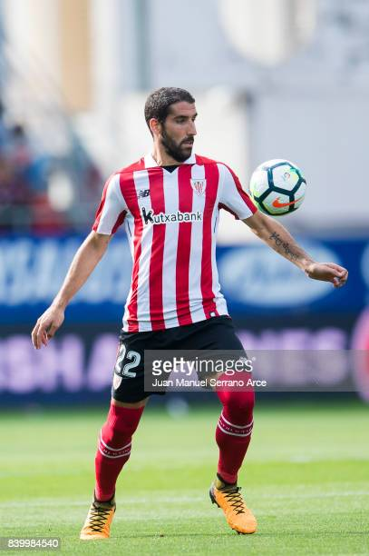 Raul Garcia of Athletic Club controls the ball during the La Liga match between SD Eibar and Athletic Club Bilbao at Estadio Municipal de Ipurua on...