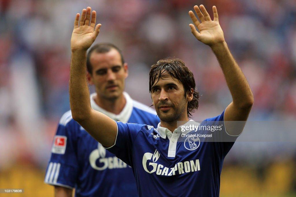 Schalke 04 v Hamburger SV - LIGA total! Cup 2010