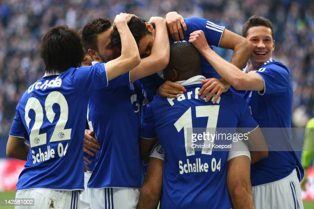 Raul Gonzalez of Schalke celebrates the second goal with his team mates during the Bundesliga match between FC Schalke 04 and Hanover 96 at Veltins...