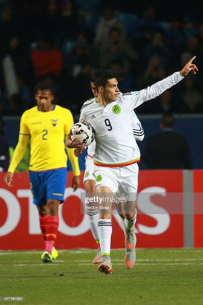 Mexico v Ecuador: Group A - 2015 Copa America Chile